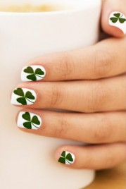 file_8_14601_08-beautyriot-8-st.patrick_27s-day-nail-ideas