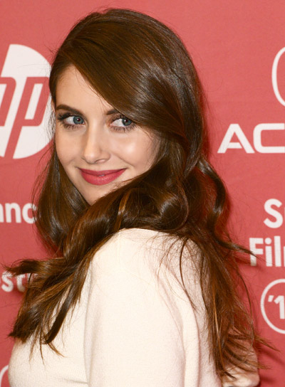 Alison Brie Long, Wavy, Brunette, Romantic Hairstyle