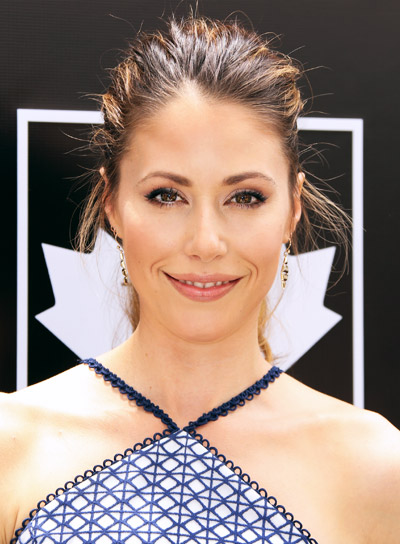 Amanda Crew's Long, Brunette, Sexy, Wavy, Ponytail Hairstyle