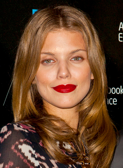 AnnaLynne McCord's Long, Brunette, Chic, Romantic Hairstyle