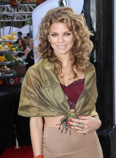 AnnaLynne McCord Curly, Sexy Hairstyle