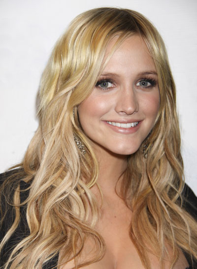 Ashlee Simpson Long, Wavy, Tousled, Blonde Hairstyle