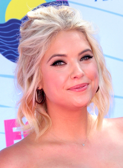 Ashley Benson's Medium, Wavy, Blonde, Party Hairstyle