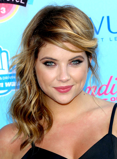 Ashley Benson's Wavy, Blonde, Medium, Party Hairstyle