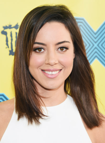 Aubrey Plaza with a Medium, Straight, Brunette, Party Hairstyle