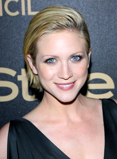 Brittany Snow's Short, Chic, Sophis