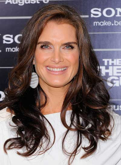 Brooke Shields Long, Curly, Sexy, Brunette Hairstyle with Highlights
