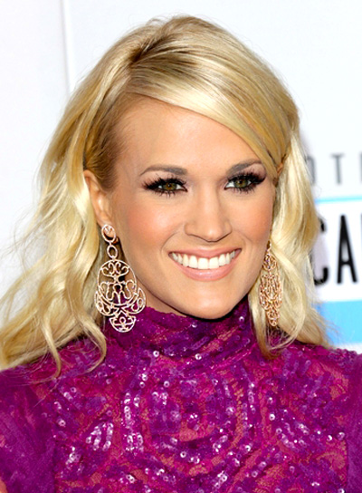 Carrie Underwood's Long, Wavy, Blonde, Romantic, Hairstyle