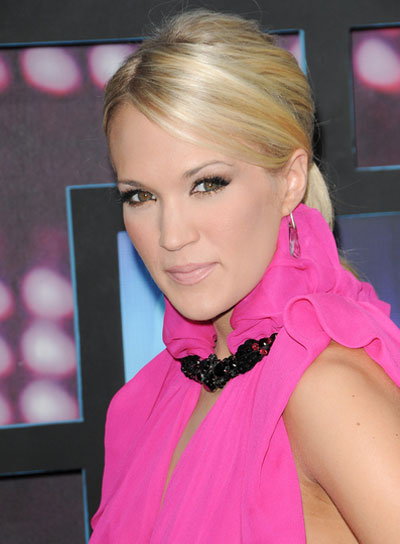 Carrie Underwood Chic, Blonde Ponytail