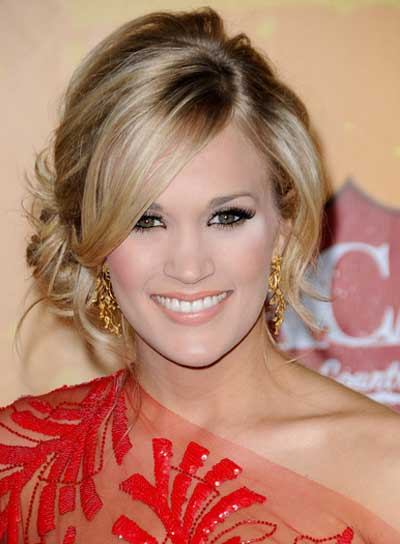 Carrie Underwood Romantic, Blonde Updo