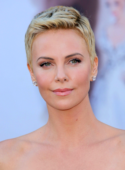 Charlize Theron's Short, Blonde, Chic, Party Hairstyle