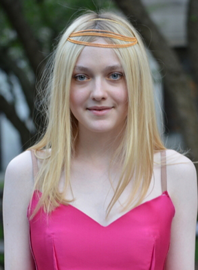 Dakota Fanning's Medium, Straight, Fine, Blonde Hairstyle