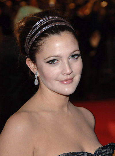 Drew Barrymore Funky Updo for Heart-Shaped Faces