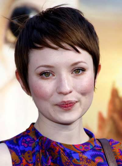 Emily Browning Short, Straight, Brunette Hairstyle