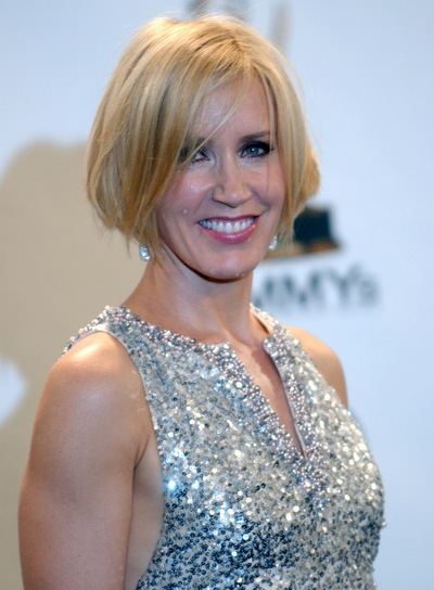 Felicity Huffman Short, Edgy, Blonde Hairstyle