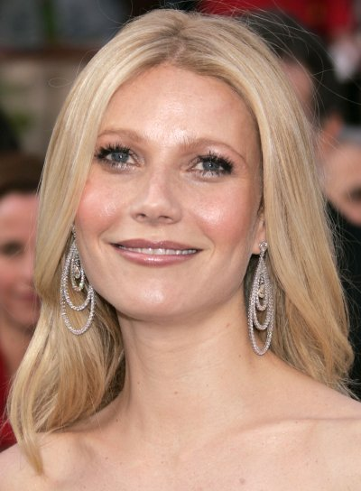 Gwyneth Paltrow Blonde, Medium-Length Hairstyle