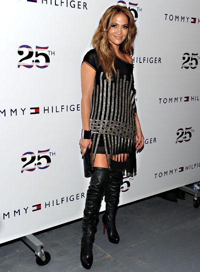 Jennifer Lopez Thick, Wavy, Brunette Hairstyle