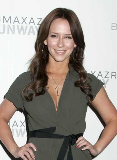 Jennifer Love Hewitt Long, Curly, Brunette Hairstyle