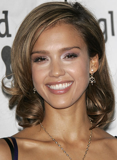Jessica Alba Medium, Curly Hairstyle with Highlights