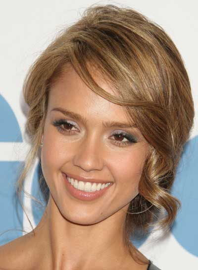 Jessica Alba Tousled, Sophisticated Hairstyle