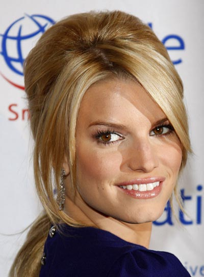 Jessica Simpson Sophisticated Ponytail