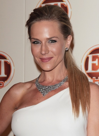 Julie Benz Straight, Chic, Blonde Ponytail