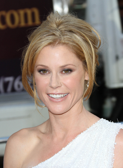 Julie Bowen Chic, Romantic, Blonde Updo