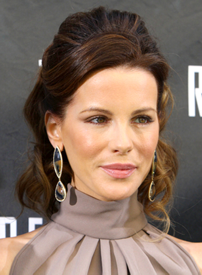 Kate Beckinsale's Chic, Sophisticated, Brunette, Half Updo Hairstyle