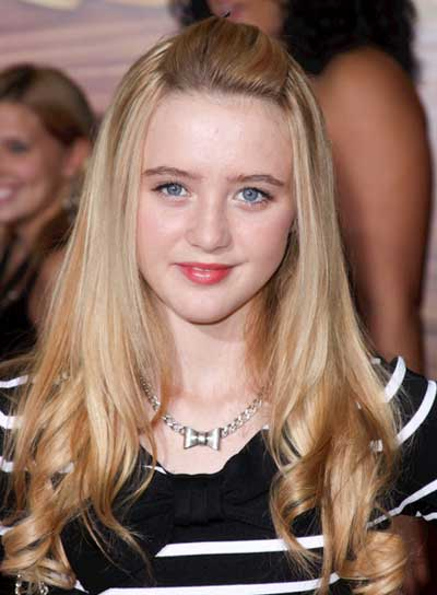 Kathryn Newton Long, Curly, Romantic, Blonde Hairstyle