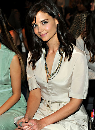 Katie Holmes Medium, Romantic, Wavy Hairstyle with Bangs