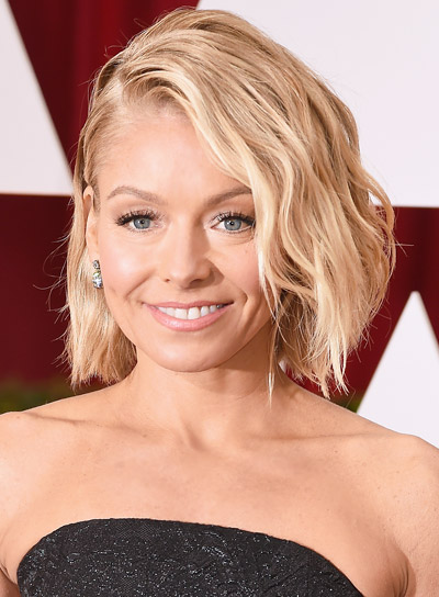 Kelly Ripa with a Short, Wavy, Blonde, Edgy Hairstyle Pictures