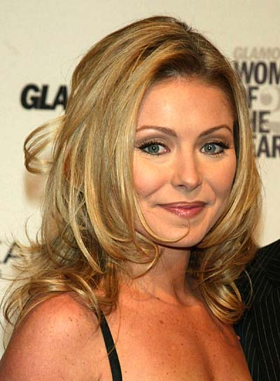 Kelly Ripa Tousled, Blonde Hairstyle