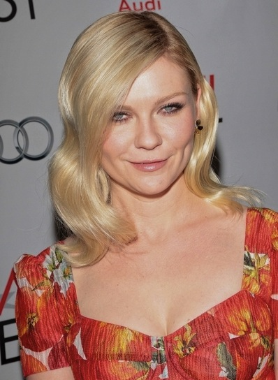 Kirsten Dunst Medium, Sophisticated, Romantic, Blonde Hairstyle