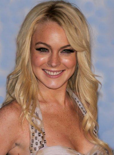 Lindsay Lohan Long, Wavy, Blonde Hairstyle with Bangs