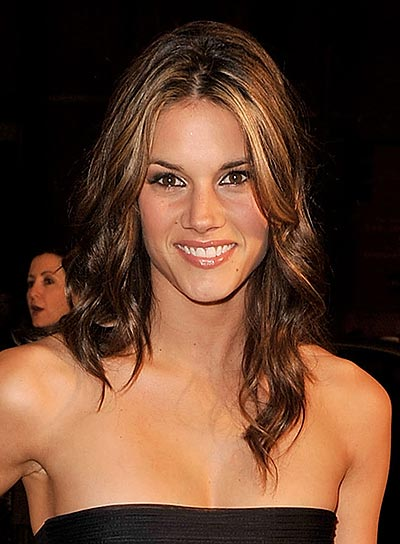 Missy Peregrym Medium Curly Hairstyle with Highlights