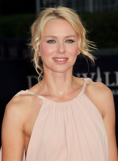 Naomi Watts Chic, Blonde Updo