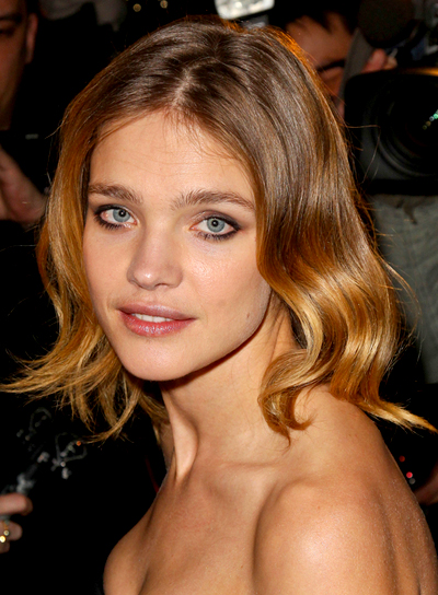 Natalia Vodianova's Medium, Blonde, Wavy, Romantic Hairstyle