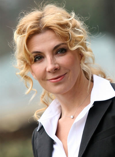 Natasha Richardson Long, Blonde, Curly Ponytail