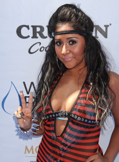 "Nicole ""Snooki"" Polizzi Long, Funky, Wavy, Tousled Hairstyle with Highlights"