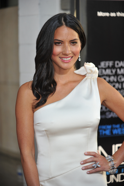Olivia Munn's Wavy, Formal, Chic, Sophisticated Hairstyle