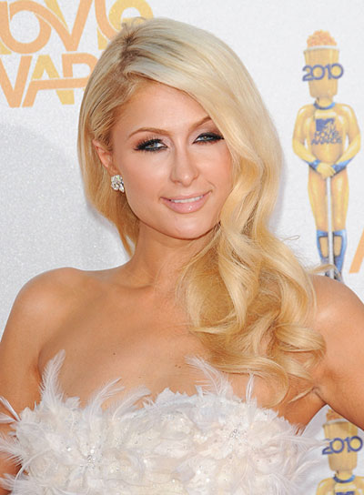 cedfb63c51 Paris Hilton Curly