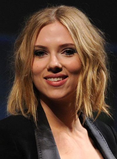 Scarlett Johansson Short, Wavy, Tousled Bob