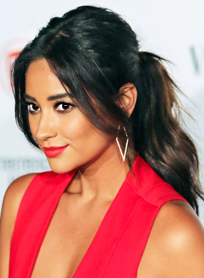 Shay Mitchell Long, Black, Romantic, Ponytail Hairstyle