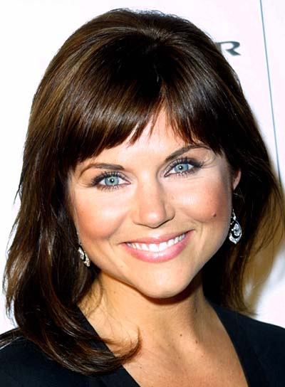 Tiffani Thiessen Straight, Brunette Hairstyle with Bangs